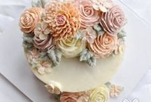 Cakes - Frostings and buttercream  / by Jana Coelho