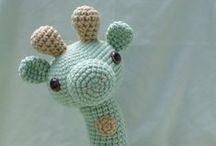 Corte e costura - Amigurumi toys and Patchwork Pincushion / by Jana Coelho