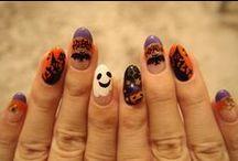 """Halloween / *** Entdecken Sie jetzt auch den Halloween-Look für Ihre Fingernägel!! *** ... Damit auch Ihre Nägel das richtige """"Grusel-Outfit"""" für die unheimlichste Nacht des Jahres haben."""
