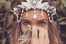 Festival Hair and Make up Inspiration / Festival season is upon us. Find inspiration here! #festivalhair