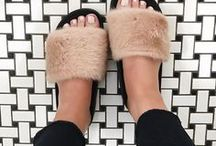 Focus Footwear / Inspirações e tendências do mercado têxtil para o segmento de calçados e acessórios.  Todas as referências vistas aqui podem ser encontradas em tecidos da nossa linha Footwear.