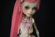 Custom Dolls / Muñecas comerciales, modificadas y personalizadas.