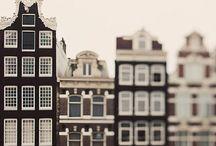 AMSTERDAM / Thuis.