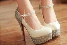 Adoro los zapatos / by Daniela Oliva