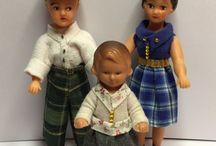 Eingekleidete Puppen