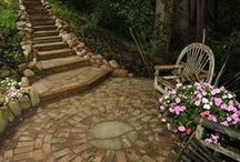 Landscape Ideas / Imagine the possibilities for your yard...