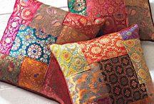Cushions & Pillows Ideas / Style, Color, Decor & Throw Pillows.