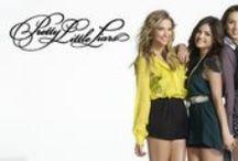 Pretty Little Liars / Bir sır kaç yalanla örtülebilir? Spencer, Aria, Hanna, Emily… Karakterlerinden nefret edecek, tarzlarına bayılacaksınız!
