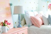 Girl's Room / Chambre de filles / Ideas to decorate a girl's bedroom. Tout plein d'idées pour décorer une chambre de fille. #girlsbedroom #homedecor #diy #bedroomdecor