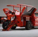 Mobilny warsztat motocyklowy (Mobile Motorcycle Workshop) / Mobilne stanowiska naprawcze do serwisowania Motocykli utworzone na pojazdach, przyczepach lub naczepach.