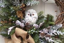 Wreath (make flowers, leaves, twigs, etc. in a circle) リース / クリスマスリースとか(花・葉・小枝などで輪状に作るもの)