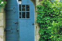*Doors I Love* / Doors of the world...
