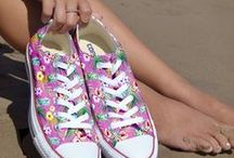CONVERSE SHOES / Converse shoes in beach graphics.
