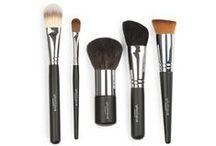 Makeup Tools / All of my favorite makeup tools