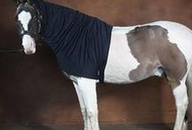 The Best Hoods For Horses / The Snuggy Hood Turn Out Hood is a winter life saver!