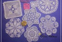 crochet / crochet motifs, to join for a big bed cover or to make lacy curtains, or to use alone as coasters, doilies or tree decoration...