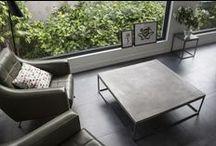 TABLES BASSES EN BETON par Lyon Béton / Le béton est la matière idéale pour donner une touche moderne et minimaliste à votre salon.