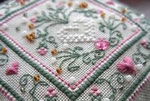 Stitchery IX: Cushions & Casas