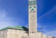 Zauberhaftes Marokko / Marokko besticht mit zauberhaften Oasen, grünen Wäldern, Traumstränden und weiten Wüsten. Wir zeigen euch die schönsten Urlaubs- und Reiseziele in Marokko, präsentieren die besten Sehenswürdigkeiten und geben Tipps für eure Reiseplanung.