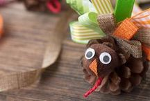 Family Thanksgiving Ideas / Crafts, snacks, and recipes for the whole family at Thanksgiving