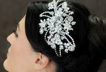 Bridal hair ideas by VO-EVOLUTION wedding beauty services Riviera Maya / you will get married on the Riviera maya, VO-EVOLUTION hope to be by at your side on this magical day one mission for us splendour you with the most tasteful make-up & an elegant hairstyle