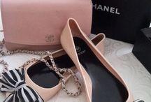 Sapatos e bolsa