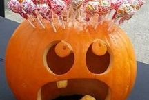 Creative pumpkin ideas / Ideas for creatively carving and staging pumpkins.
