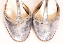 Zapatitos / Otro de los vicios de muchas chicas, los zapatos.