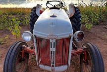 FARM - Tractors vintage / by Johan De Landsheere