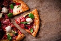 Pizza / Neapolitans have always had their fast food, it's called pizza!