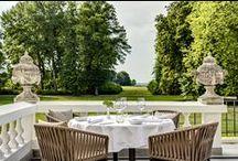 Freiluftgastronomie / Ein edles Ambiente, eine gehobene Gastronomie, ein feines Essen, ein guter Wein und ein perfekter Ausblick... Wer sehnt sich in den Sommermonaten nicht nach einem lauschigen Plätzchen im Freien? Wir haben eine Auswahl an Outdoor-Locations zusammengestellt.