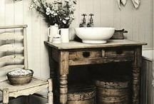 STYLE - Vintage Bathrooms / Vintage bathrooms are easy to incorporate into your home as the design is effortless, flawless and quite frankly, beautiful.  If you're looking for a design to inspire you, you're in the right place... http://soak.com/
