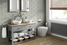 STYLE - Modern Farmhouse / Comfy, cosy and full of charm - the Modern Farmhouse trend is making it's way into our bathrooms. This timeless trend evokes feelings of comfort and warmth while mixed with a modern, contemporary feel. We've pinned our favourite inspiration from this trend and added the most suited products from soak.com to help you get on your way to creating the perfect Modern Farmhouse look in your bathroom.