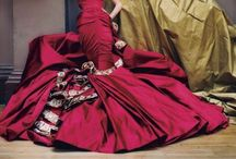 Gowns in red / All shades of red