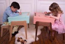 Bureau enfants - My Little Pupitre / Bureau enfant style pupitre, aux lignes contemporaines douces et arrondies. Il allie parfaitement design et fonctionnalité.  Convient aux enfants de 3 à  6 ans.