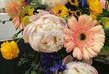 Wedding Bouquets / Beautiful Custom Designed Bouquets