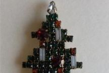 Christmas Pins / by Colleen Greenblatt