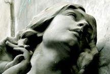 Pétreo / #petrous #stony #marble #sculpture #art #figure #cementery #cementeryart #grave