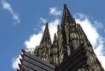 Historische Stadtführungen Köln / Stadtführungen und Brauhaustouren in Köln  Erstklassige thematische und kurzweilige Führungen aller Art. Amüsante und originelle Brauhaustouren. Stadterlebnis und Stadtgeschichte der ehemaligen römischen Colonia werden präsentiert von der führenden Agentur für Stadtführungen in Köln.  Spannende Geschichten und Verzällcher rund um das UNESCO Weltkulturerbe Kölner Dom, erwarten Sie auf unseren beliebten Touren durch Köln und seine Viertel.