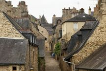 Medieval | stone houses / French!