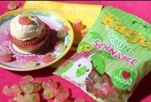 Cupcakes / Hier ein paar Cupcakes, die ich kreiert habt, die Rezepte dazu findet ihr manchmal in meinem Blog https://katharinasaheicha.wordpress.com/category/essen/ – weitere Cupcake-Rezepte findet ihr in meinen Büchern #Rezepte #Backen #Cupcakes
