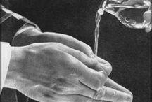 """Hands at Mass"" / Photos from the book ""Hands at Mass"", Walter Nurnberg, London, 1951"