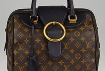 The Speedy: A Must Have / The Louis Vuitton Speedy is a must-have for any handbag collector. This practical and elegant hand-held bag is instantly recognizable with its rounded handles and simple shape-We have collected our favorite Speedy's in this Must-Have Boutique to help you find the latest addition to your collection or start your love affair with LV!
