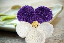 háčkované květy, mašle, motivy / háčkování