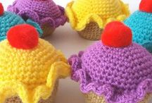 Crochet Amigurumi: Food / A selection of crochet amigurumi food patterns both free and paid for