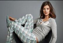 Homewear / De homewear collectie bestaat uit comfortabele kleding in mooie stoffen. Voel je helemaal ontspannen in onze homewear collectie. Mix en match je eigen samengestelde huis outfit bij elkaar. Profiteer tot en met 26-10-2014 van 20% korting op alle nachtmode!