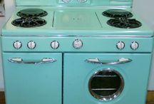 Vintage Appliances and Sinks / by Karen Fitz
