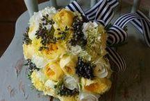 Mariage Osez le jaune / Le jaune rend hommage à votre union, l'age de renaissance. Hors de l'étiquette qu'on lui connait le jaune casse les codes, cette couleur pétillante vous met en lumière. www.drissia.fr
