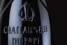 Châteauneuf-du-Pape / Animée par la même passion commune de vins profonds et subtils, notre famille cherche à élaborer des vins blancs et rouges de la Vallée du Rhône en privilégiant l'élégance, la finesse et l'équilibre qui traduisent l'expression de nos sols, de notre climat et de notre savoir-faire.