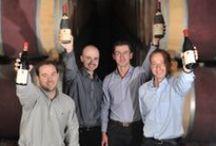 Famille Abeille - Fabre / Nous cultivons le vignoble de Mont-Redon depuis quatre générations dans le plus grand respect de son terroir unique.